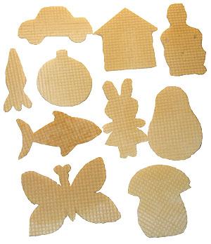 Вырезанные фигурки из вафель